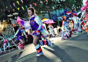 WA-carnaval-info-girls-dancing